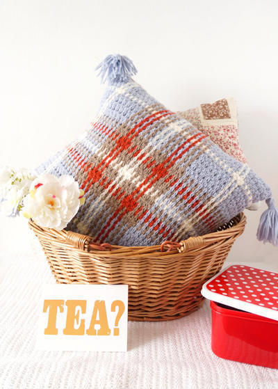 Tartan Modern Crochet Cushion Pattern