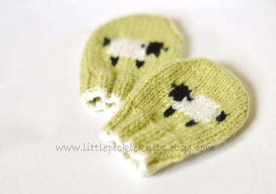 Baby Mittens - little baa baa - newborn to 1 year