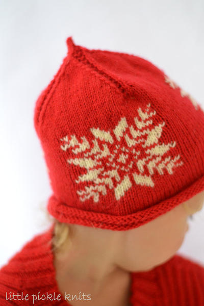 Christmas knits Snowflake Pixie Beanie - newborn to 5 years - flat knitting