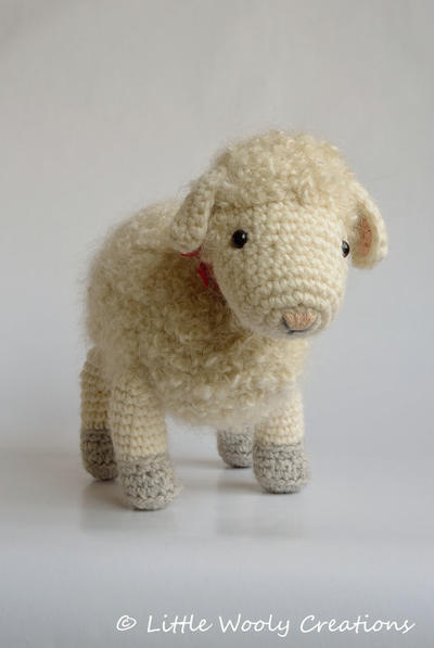Crochet pattern Cora the Sheep
