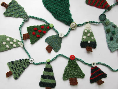 Christmas Tree Advent Garland Knitting Pattern