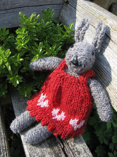 Knit your own Bunny Kit - Juliet