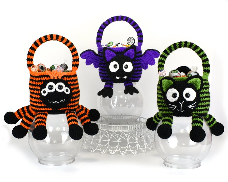 Spider, Bat and Cat - Halloween Trick or Treat Bags Crochet Pattern