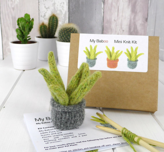 Little Plant knitting kit