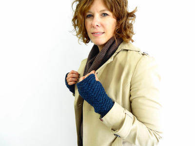 Yarn Kit - Knit Pattern - Fingerless Mitts/Gloves