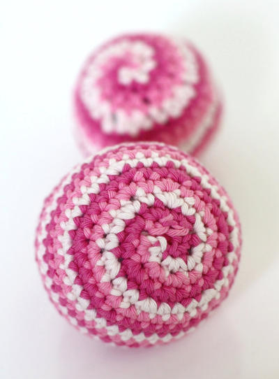 Baby Candy Spiral Ball - Crochet Toy Pattern
