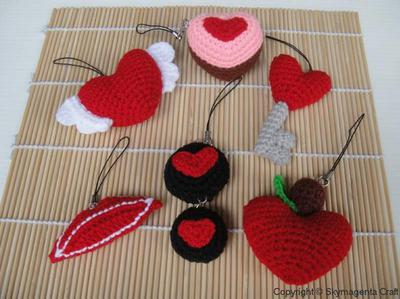 Miniature Crochet Pattern- VALENTINE 1 - Cell Phone Charm