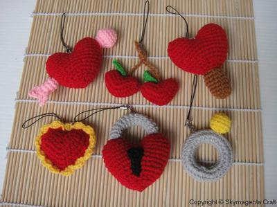 Miniature Crochet Pattern- VALENTINE 2 - Cell Phone Charm