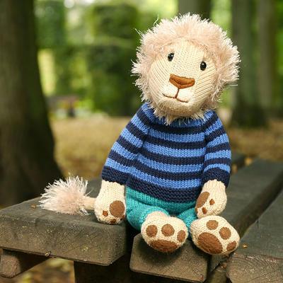 NELSON THE LION amigurumi knitting pattern