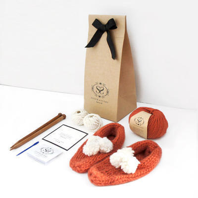Beginner's Pom Pom Slippers Knitting Kit