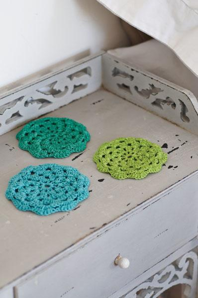 How to Make: Crochet Flower Coasters