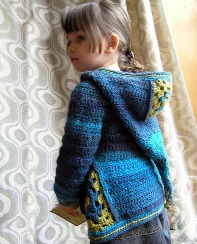 Ermeline, a crochet cardi with or without hood