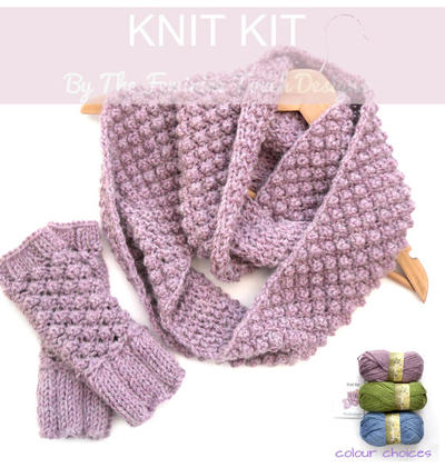Knitting kit for fingerless gloves / infinity scarf