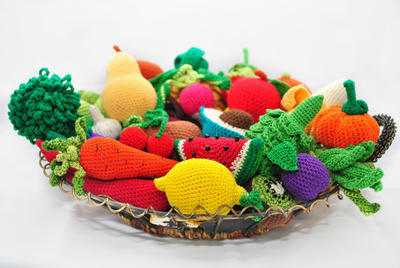 Book of 35 crochet patterns of fruits and vegetables