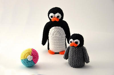 Penguins with Beach Ball set