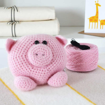 Luxury Little Piggy Amigurumi Crochet Kit